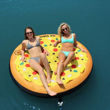 Solstice Pizza Towable, 3-Person