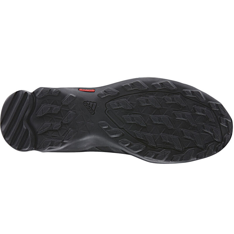 adidas Men's Outdoor Terrex AX2R Mid Hiking Shoe image number 2