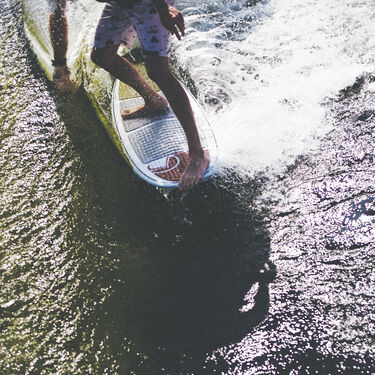 Liquid Force El Guapo Wakesurfer