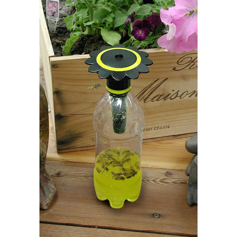 McNaughton Soda Bottle Wasp Trap image number 2