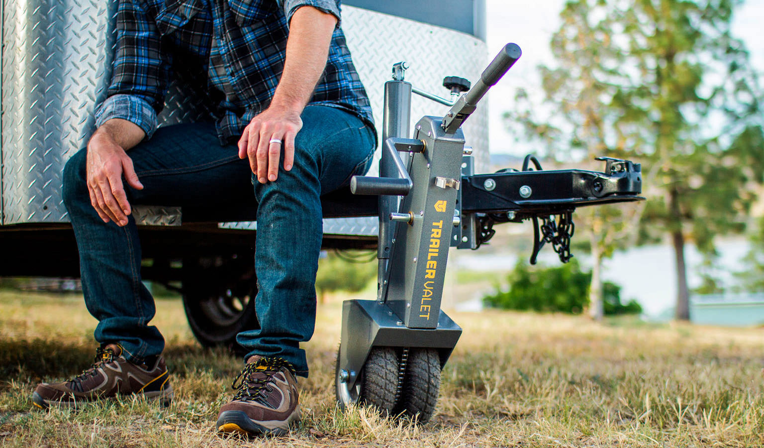 Save up to 30% on Trailer Jacks & Dollies