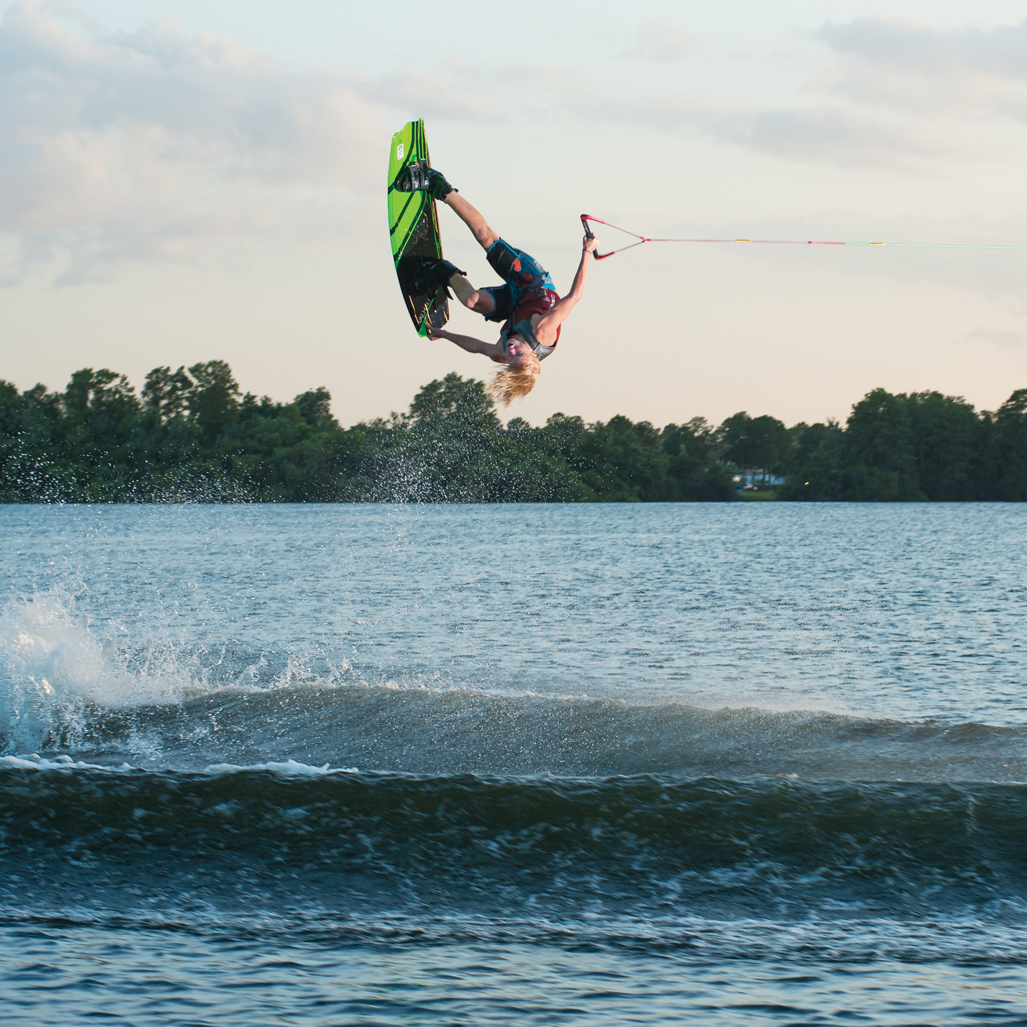 O'Brien Valhalla Wakeboard With Clutch Bindings And Rope